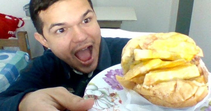 cenando HAMBURGUESA en vivo desde Lima sur